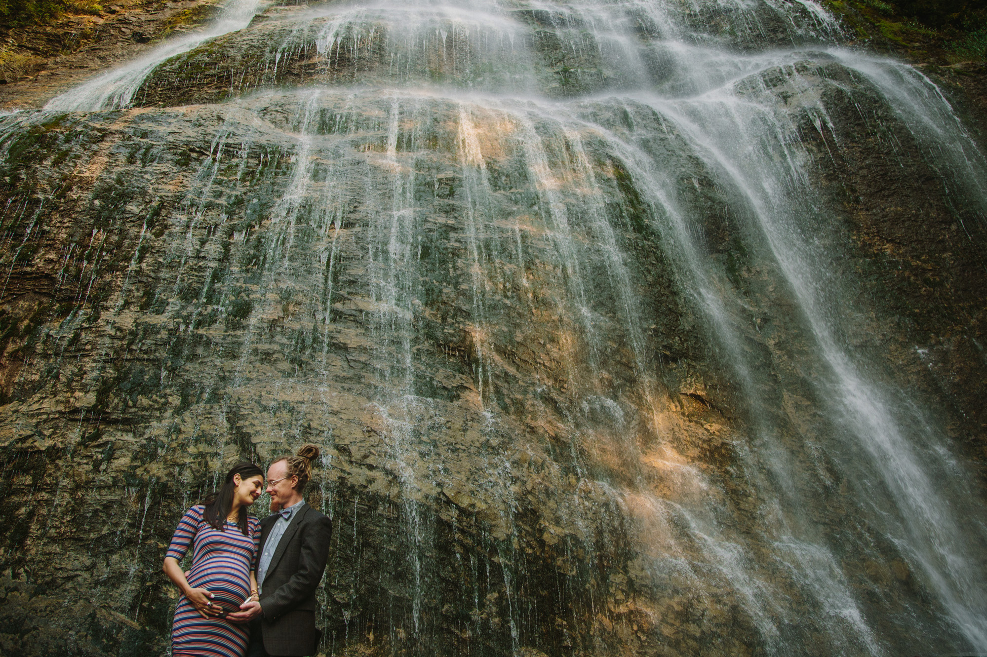 waterfall maternity session
