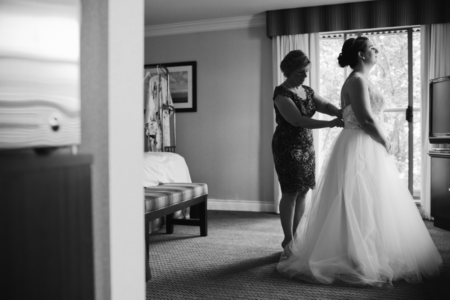 Vancouver Bride Morning Preperations