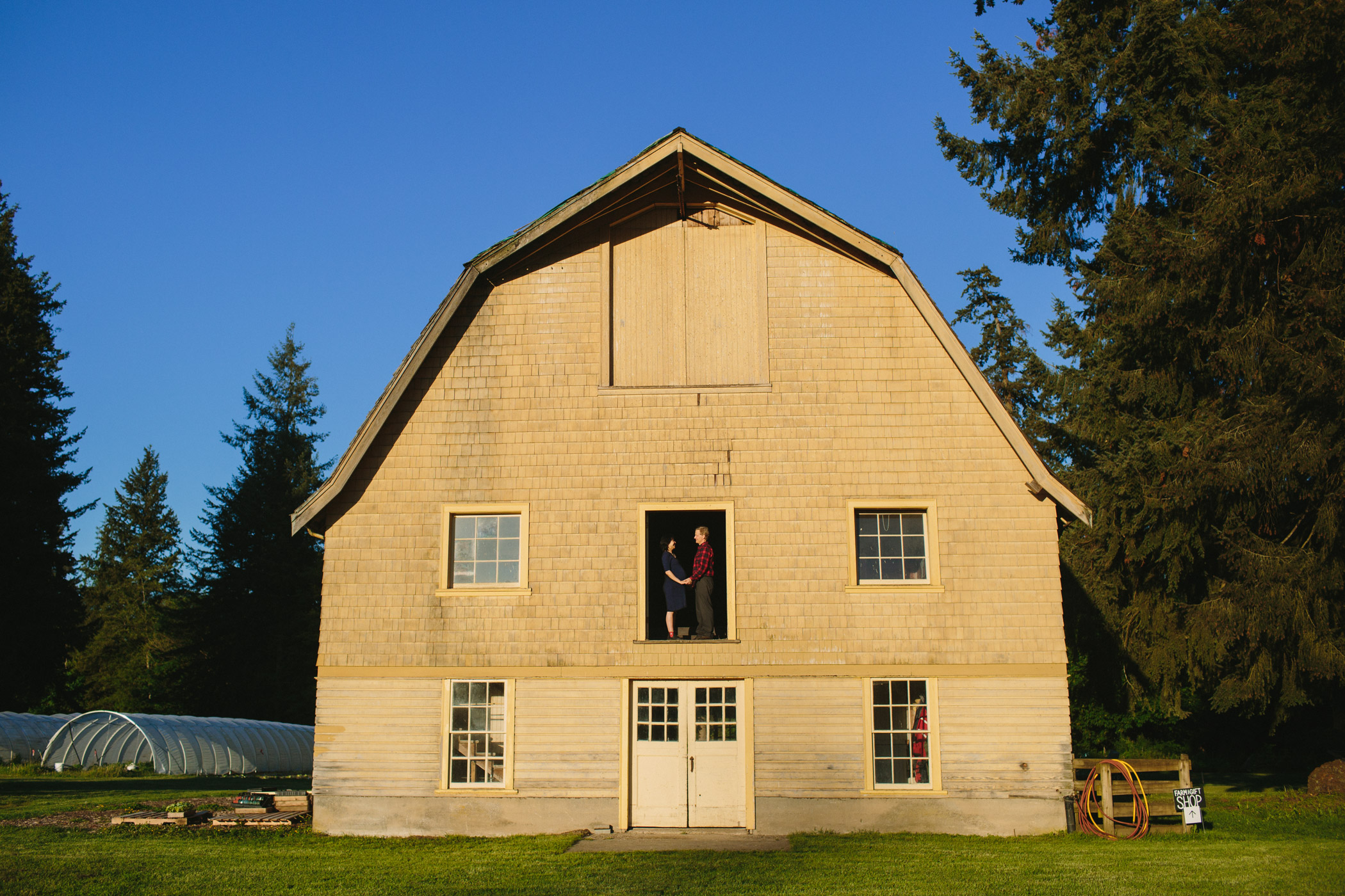 Lower Mainland Maternity Session with Barn