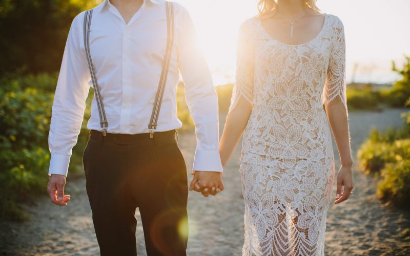 10 Engagement Session Outfit Ideas